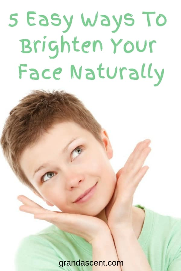 Wonder how to lighten your face? Try one or more of these 5 easy ways to brighten your face naturally. #beauty #naturalbeauty #brightenface #complexion #antioxidants #healthy